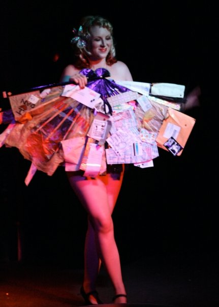 Miss If-N-Whendy performed a fan dance with fans she made out of trash... very thrifty!